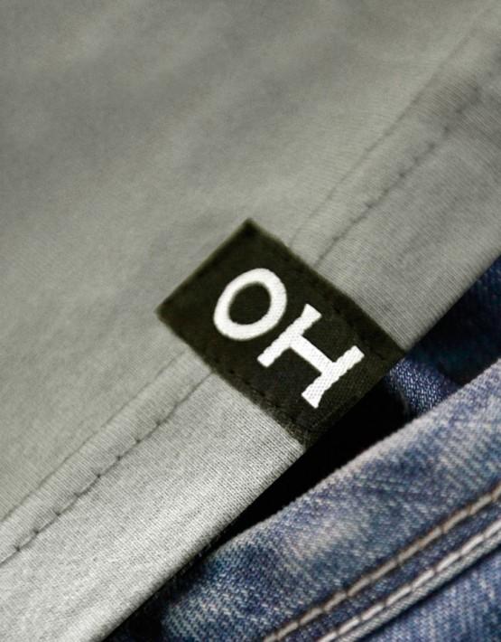 Oliver-Heldens-vignet-pattern-shirt-detail
